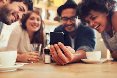 9 necessary hotel marketing posts; friends sharing hotel marketing posts.